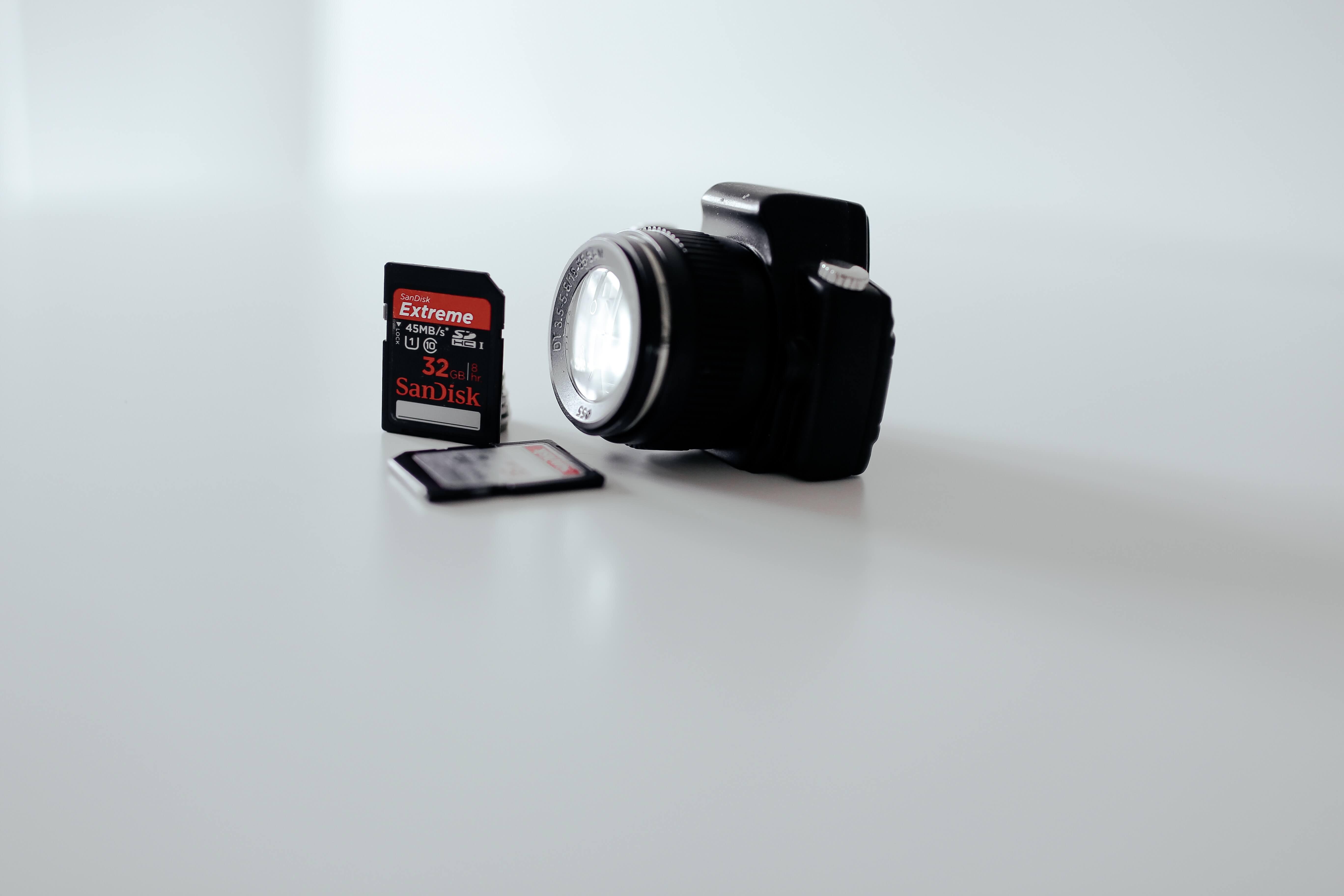 fotoaparatas-atminties-kortele-laikmena.jpg