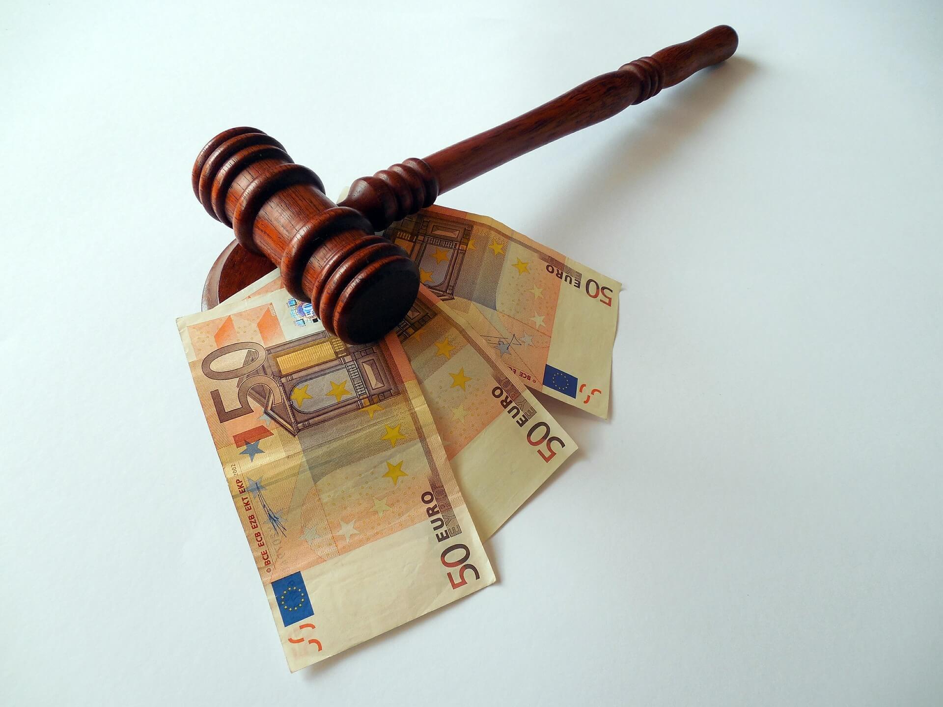 islaikymas-teismo-sprendimas-pinigai.jpg